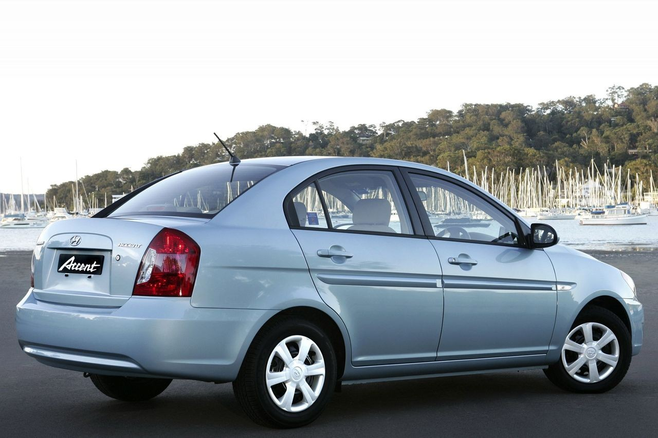 Hyundai Accent AUTOMATIC (automatic)