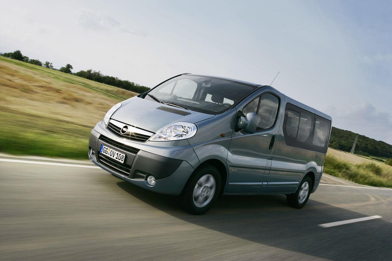 Opel (9seater) Vivaro (manual)