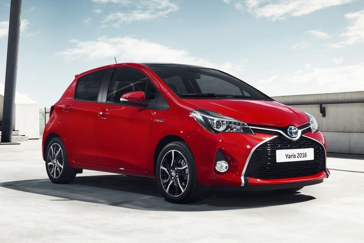 toyota yaris diesel manual car hire in crete eurodollar rent a car. Black Bedroom Furniture Sets. Home Design Ideas